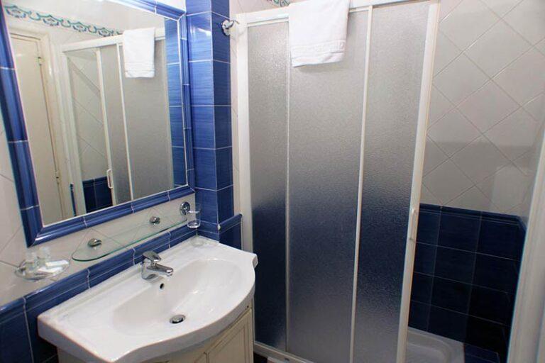 10.toilet2-02